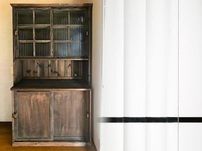 レトロな食器棚に!「モールガラス(12mm幅)」を使用した事例