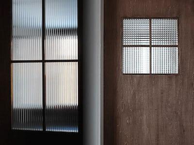 室内ドアのドア窓に!デザインガラスを使用した事例 (北海道札幌市 H社様)