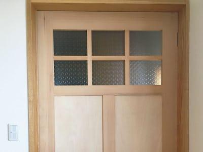 リノベーション住宅の造作扉に「マスターフレックス」を使用した事例(静岡県Y社様)