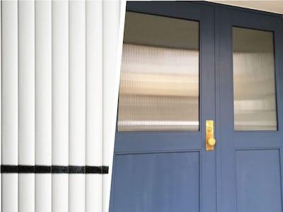 オシャレな新築住宅に!玄関扉に「モールガラス」「フロートガラス」を使用した事例 (埼玉県 H様)