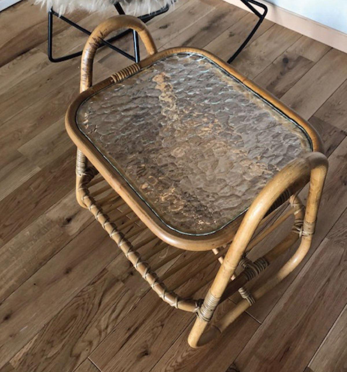 「SAG-012 モニュメンタルM」を使用したサイドテーブルのお写真