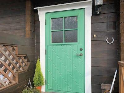 外窓にもデザインガラスを!玄関ドアに「シルヴィ」を使用した事例(三重県S様)