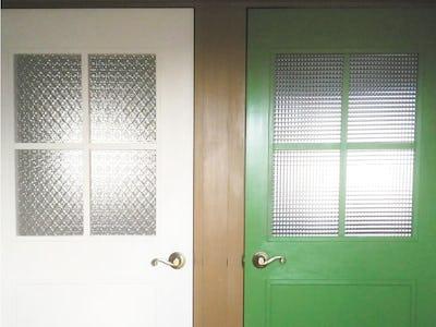 デザインガラスで空間に華やかさをプラス!室内ドアに「フローラガラス」「チェッカーガラス」を使用した事例(香川県H様)