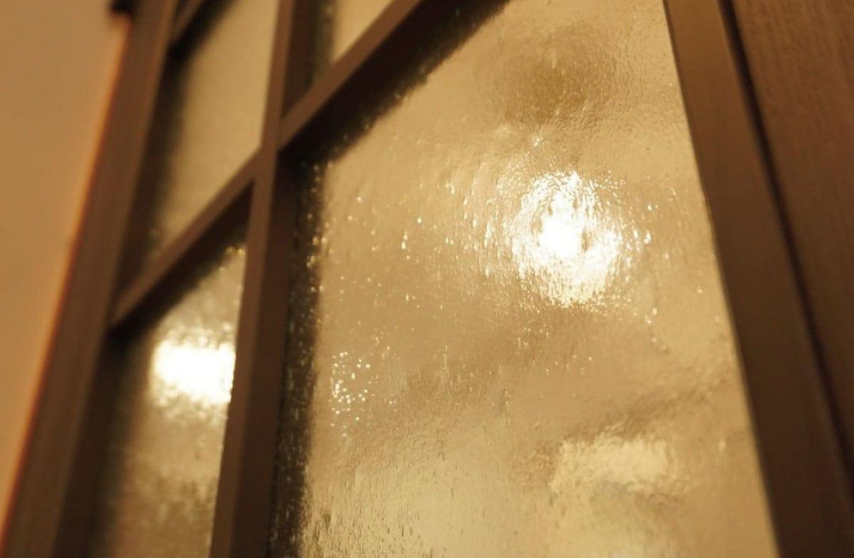 木製建具に「CTE-014 クリアテクスチャ(シーディークリア)」を使用した事例写真‐2