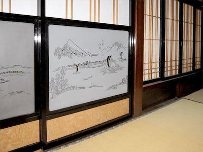 障子窓に「障子用ガラス (ぬき山水) 舟村山郭」を使用した事例 (長野県伊那市 T様)