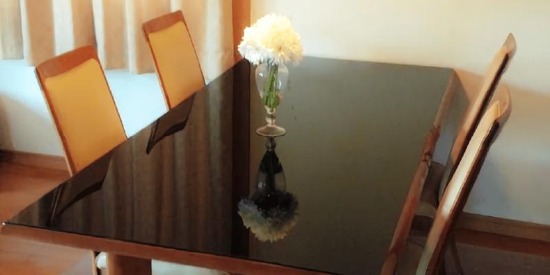 テーブルの天板に!「セラプリプレーン (ブラック)」を使用した事例