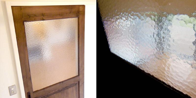 室内ドアのガラスに「キャセドラルMIN(クリア)」を使用した事例