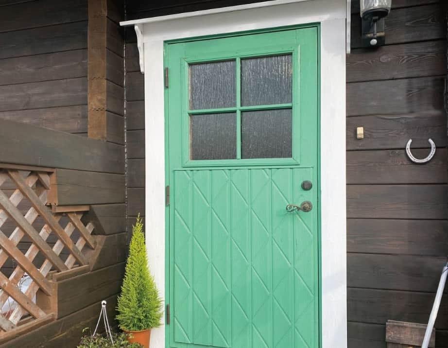 「シルヴィ」を玄関ドアに使用した事例