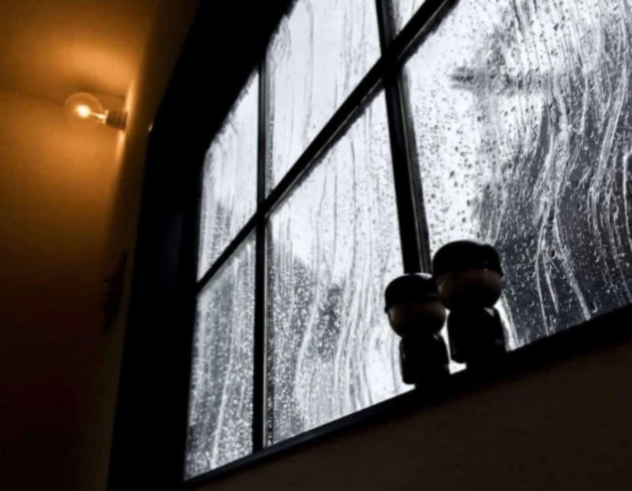 「アルトドイッチェK」をコンテナハウスの外窓に使用した事例