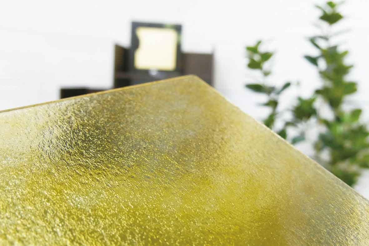 塗装カラー型板ガラス-色ムラ