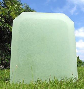 キルンワークガラスの墓石(1)