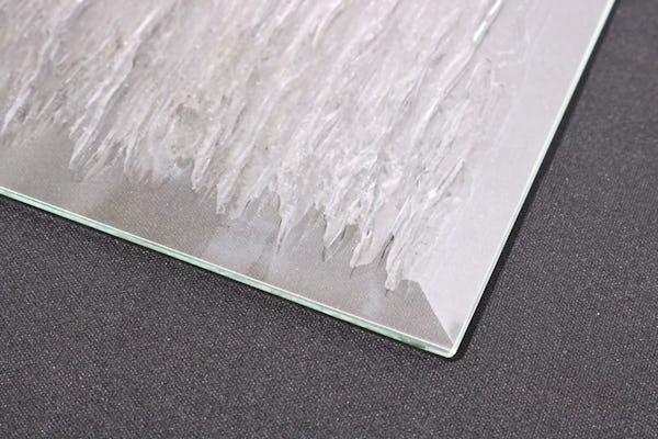 デザインガラスに広幅面取り加工をしたらどうなるの?画像で比べてみた!