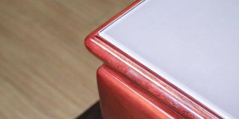 セラミックプリントガラス(ミストホワイト)を乗せた座敷テーブル